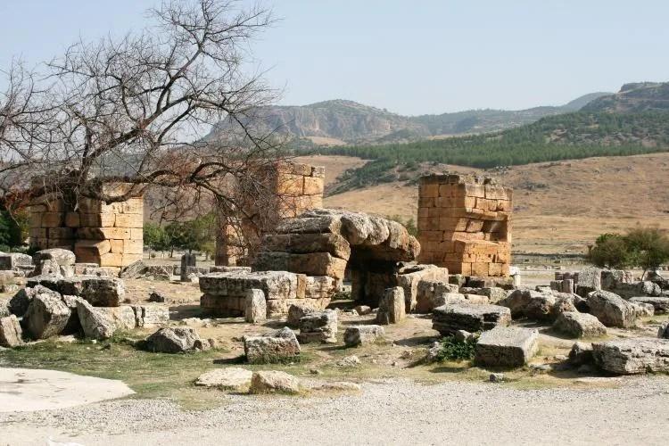 Opgravingen bijPamukkale in Turkije