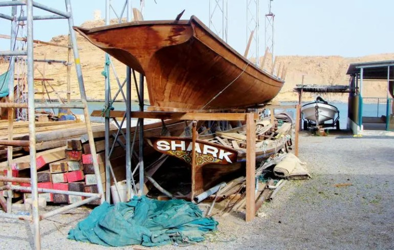 Dhows in het havenplaatsje Sur in Oman