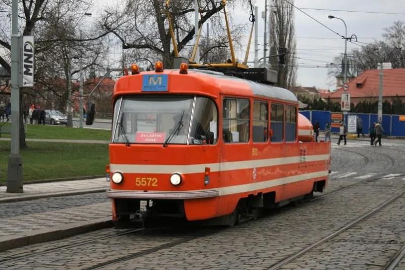 Maak onbeperkt gebruikt van de tram en metro in Praag