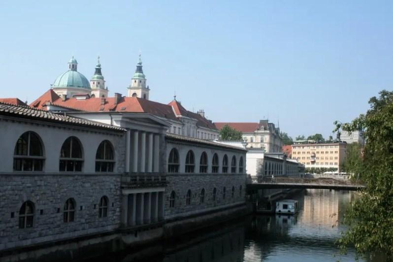 De rivier in Ljubljana