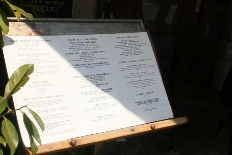 Sorbara Steak House in Ljubljana is een fijn restaurant aan de rivier