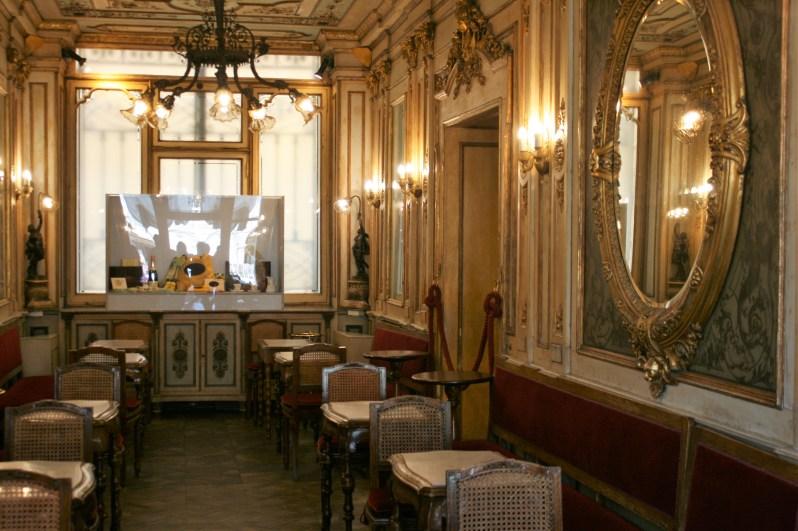 Koffie drinken bij Caffé Florian tijdens je bezoek aan Venetië