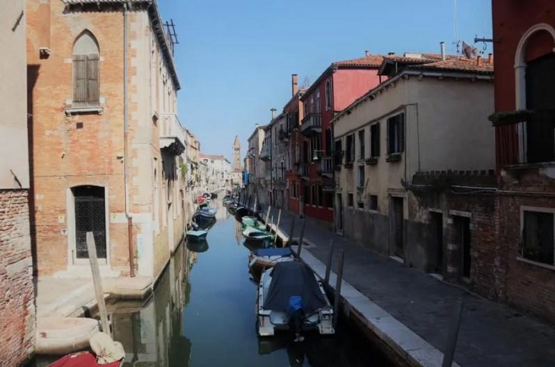 Toeristen vermijden in Venetië