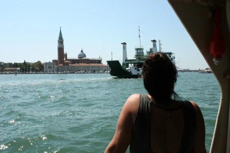 Varen in de lagune van Venetië