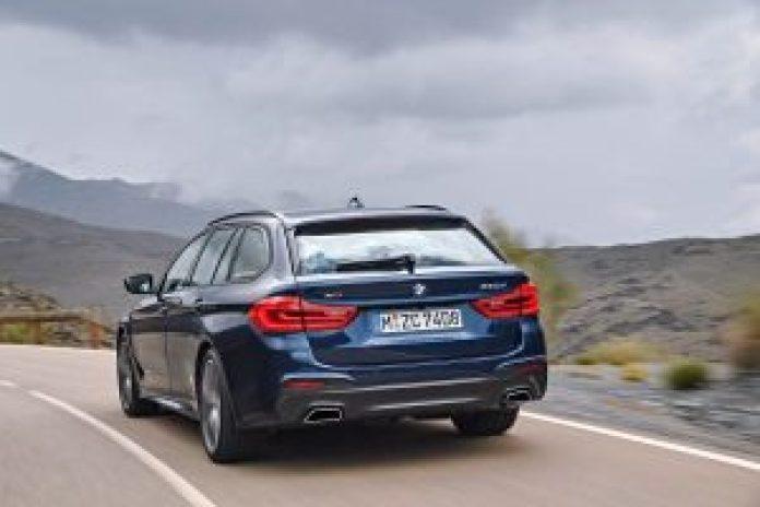 BMW radu 5 Touring zo zadu