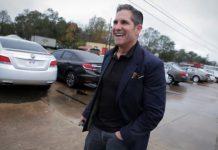 Multimilionár Grant Cardone: Jedno z mojich prvých zamestnaní bola práca v McDonald's