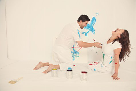 Nicole and shay 39 s paint fight engagement shoot boho for Paint photo shoot ideas