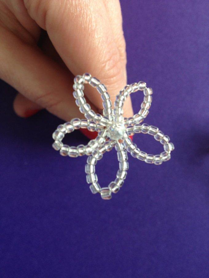 DIY Tutorial: Hand-beaded Flower Hair Pins - Boho Weddings™ For the ...
