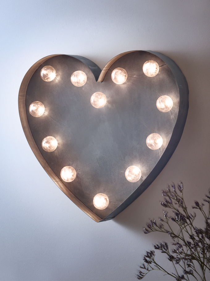 14 Romantic Gift Ideas for 14th February from Prezola