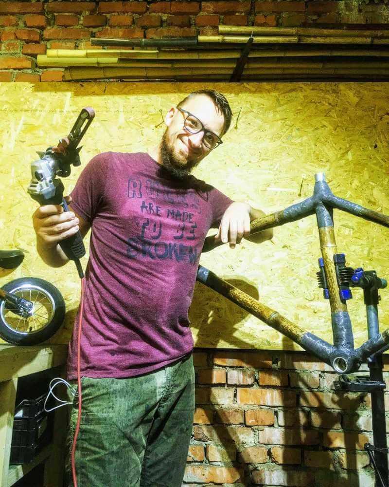 szlifowanie bambusowej ramy rowerowej pilnik elektryczny