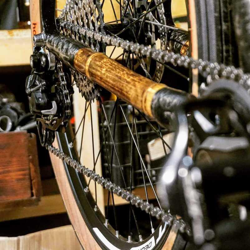 montaż części w rmie z bambusa napęd 05