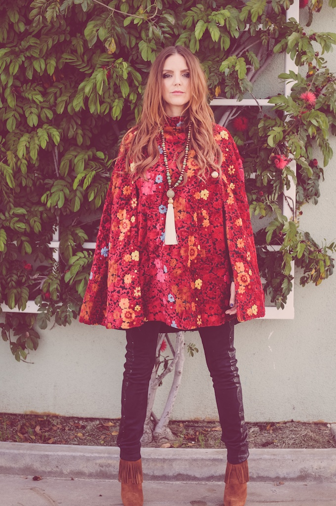 pachamama-bohemian-clutch-vintage-tapestry-cape-60s-fashion-blogger-liberty-garden-2016-trends-psychedelic-brocade-fringe-booties 65