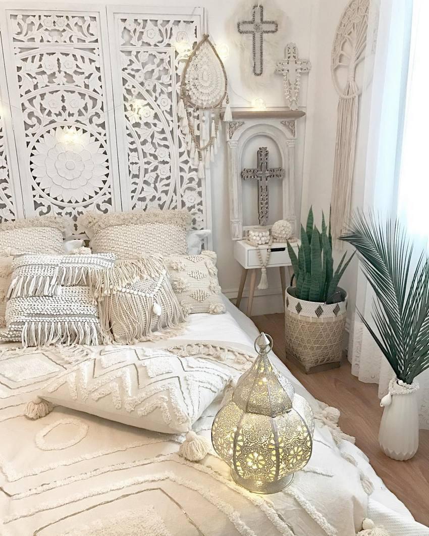 Modern Bohemian Bedroom Decor Ideas - Bohemian Lifestyle ... on Modern Bohemian Bedroom Decor  id=54259