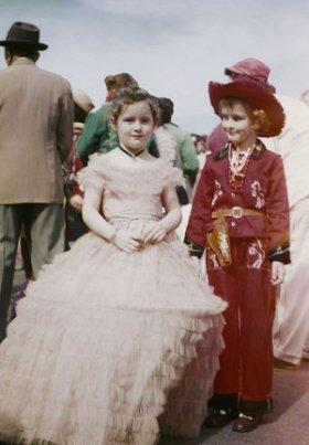 Childern_in_1956_Mardi_Gras.jpg