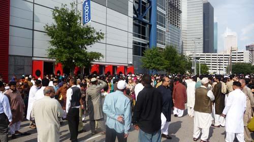 crowded_eid.jpg