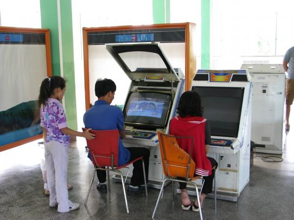 north-korean-arcade-photos-2-600x450.jpg