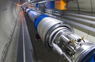 News Bigphotos Images 080910-Collider-Success Big