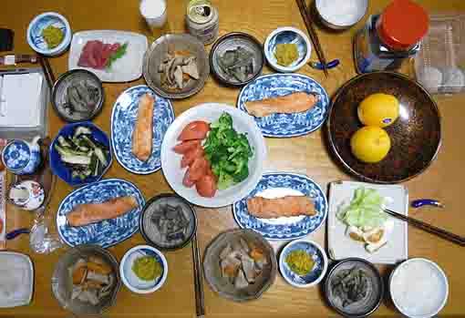 Japanese Table Setting & Suburban Japan:3 / Boing Boing