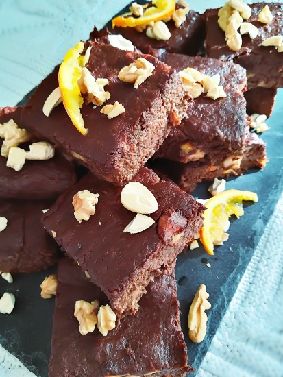 Brownie Chocolat Orange aux noix et noix de cajou
