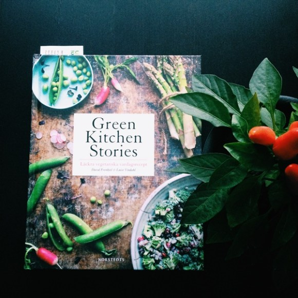 Green kitchen stories av David Frenkiel och Luise Vindahl