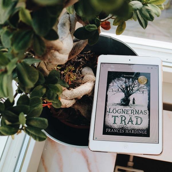 Lögnernas träd av Frances Hardinge