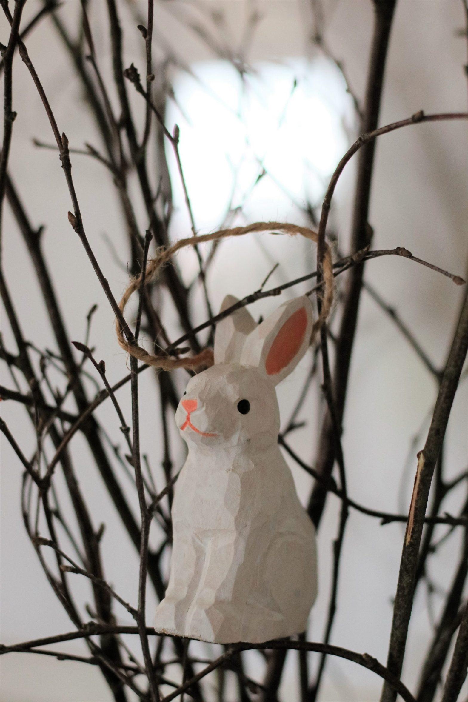 Glad påsk önskar påskharen!
