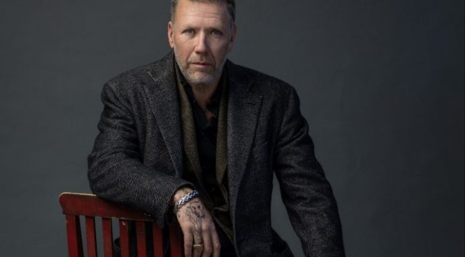 Mikael Persbrandt på bok