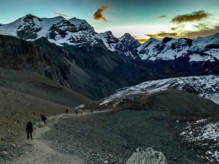 Răsărit de soare în Defileul Annapurna