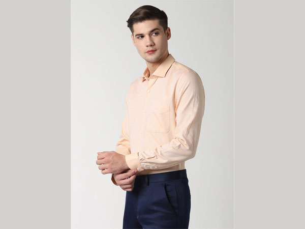 Blue pant combination with beige shirt