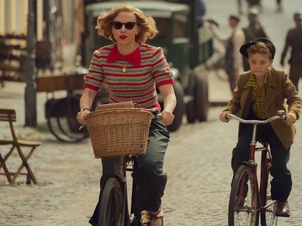 Bicycle scene from Jojo Rabbit