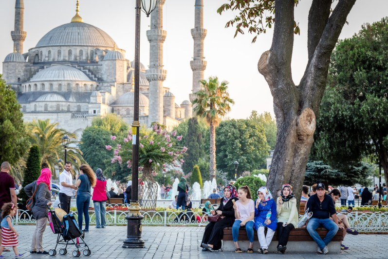 Blue Mosque (Sultan Ahmet Camisi) outside on the lawn