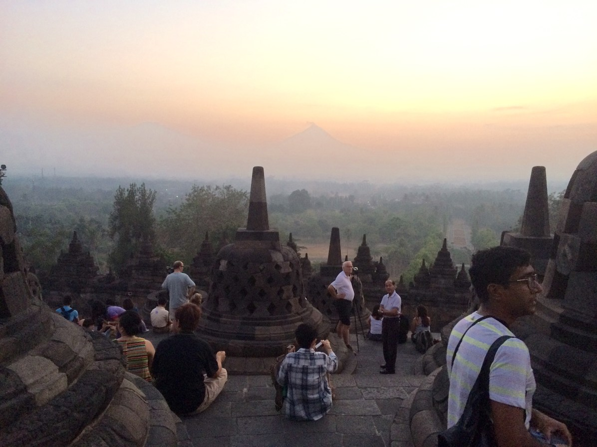 Tough to snap epic photos with the number of people who paid to see sunrise at Borobudur