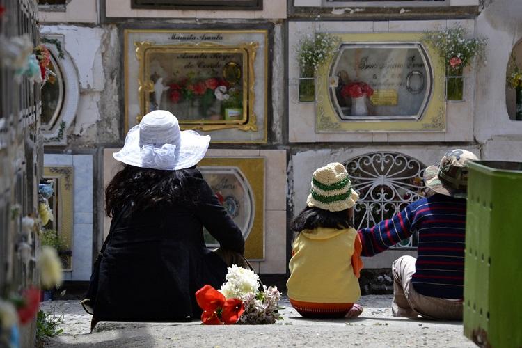 Dia Graves Visiting Pictures Los De Muertos