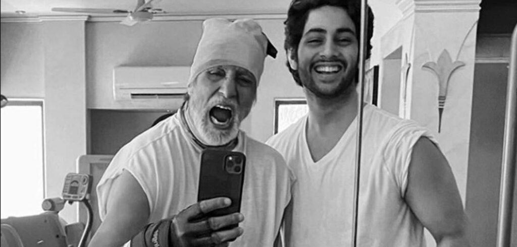 Kleinzoon Bollywood legende Amitabh Bachchan gaat acteren