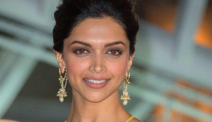 Deepika Padukone benaderd voor negatieve rol in Bollywood film Dhoom 4?