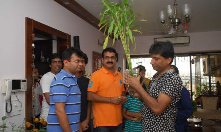 Clean and Green India, Comedian, Raju Srivastav, New Year 2015, Resolution