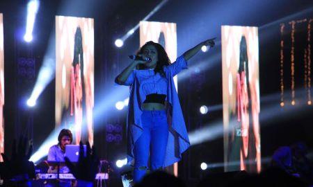 Neha Kakkar, live performance, show, The Regency Antilia