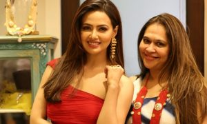 Shop for a Cause,Designer,Ritu Seksaria,Actress,Sana Khan,Vyoum
