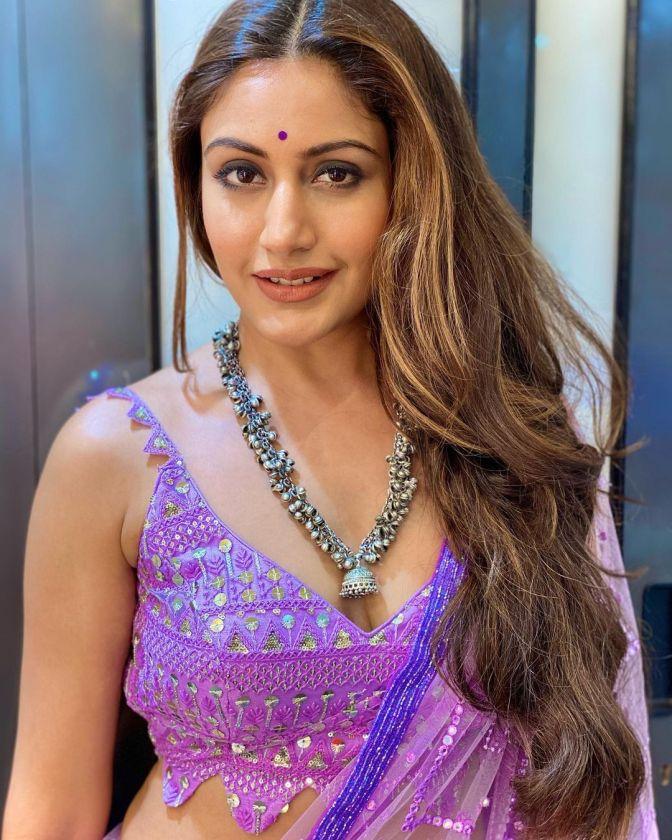 Hot n S*xy Surbhi Chandna in Saree