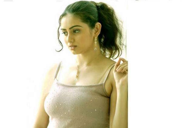 Shruti Marathe Hot Cute Gorgeous Pictures Wiki Bio Age Height Weight Husband