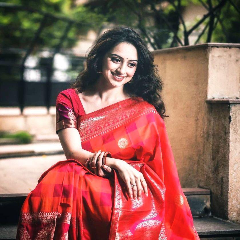 Marathi actress shruti marathe