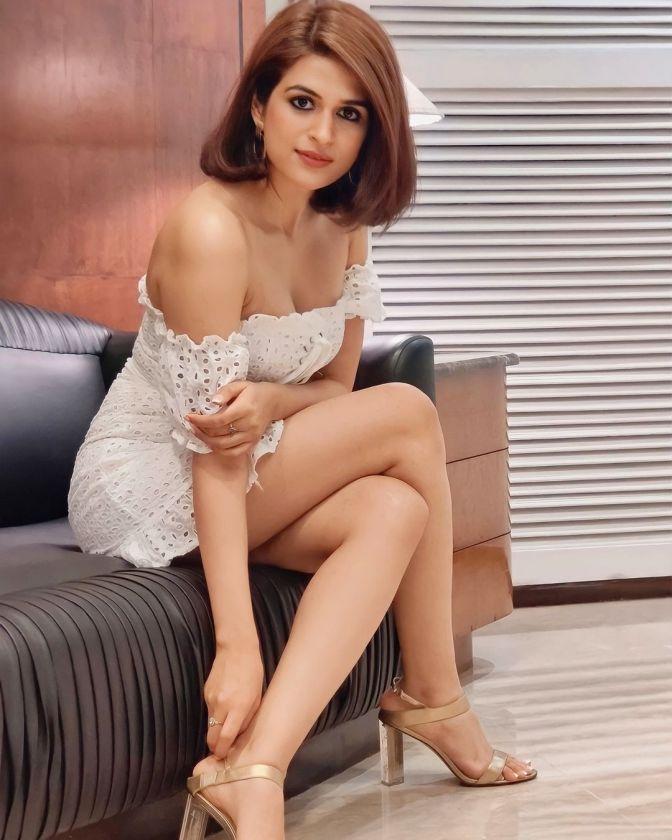 Shraddha Das latest hot image