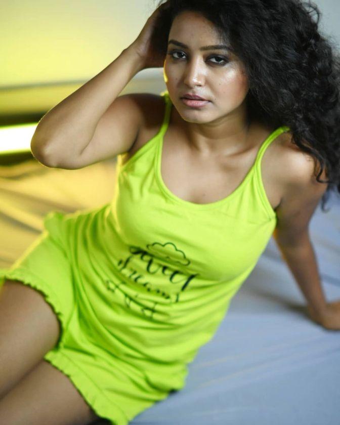 Instagram Star Sayani Pradhan 11 Hot Pictures