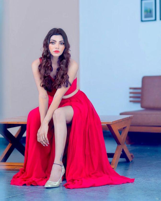 Bigg Boss Telugu 5 Contestant Lahari Shari 9 Hot Gorgeous Adorable Pictures