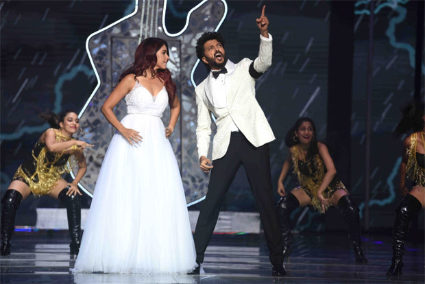 Bobby Deol, Riteish and Genelia Deshmukh set the Indian Pro Music League stage on fire with their enchanting performances during the Grand Finale