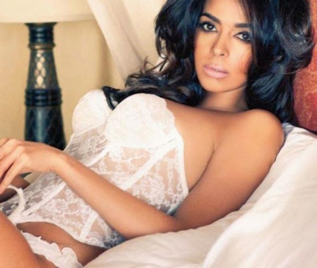 9 Hot Pictures Of Birthday Girl Mallika Sherawat That Will Make Your Day Bollywoodlife Com