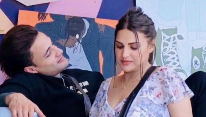 Asim and Himanshi hint of reciprocation
