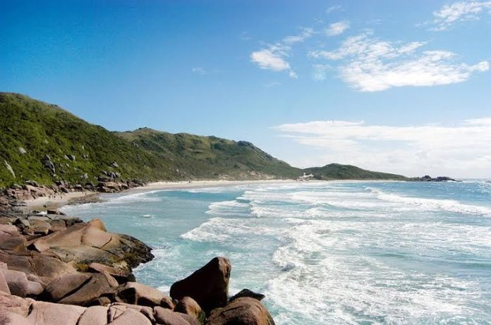 Praia da Galheta é uma das melhores praias de Florianópolis