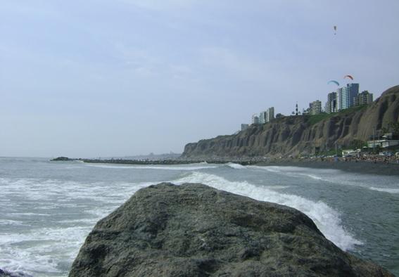 Praia em Lima, Peru