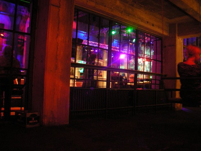 Noitada no Berghain-Panorama Bar em Berlim